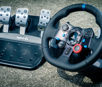 За рулем контроллера Logitech G29 Driving Force