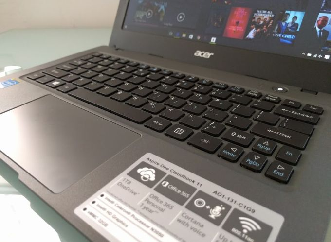 Acer Aspire One Cloudbook 11 2