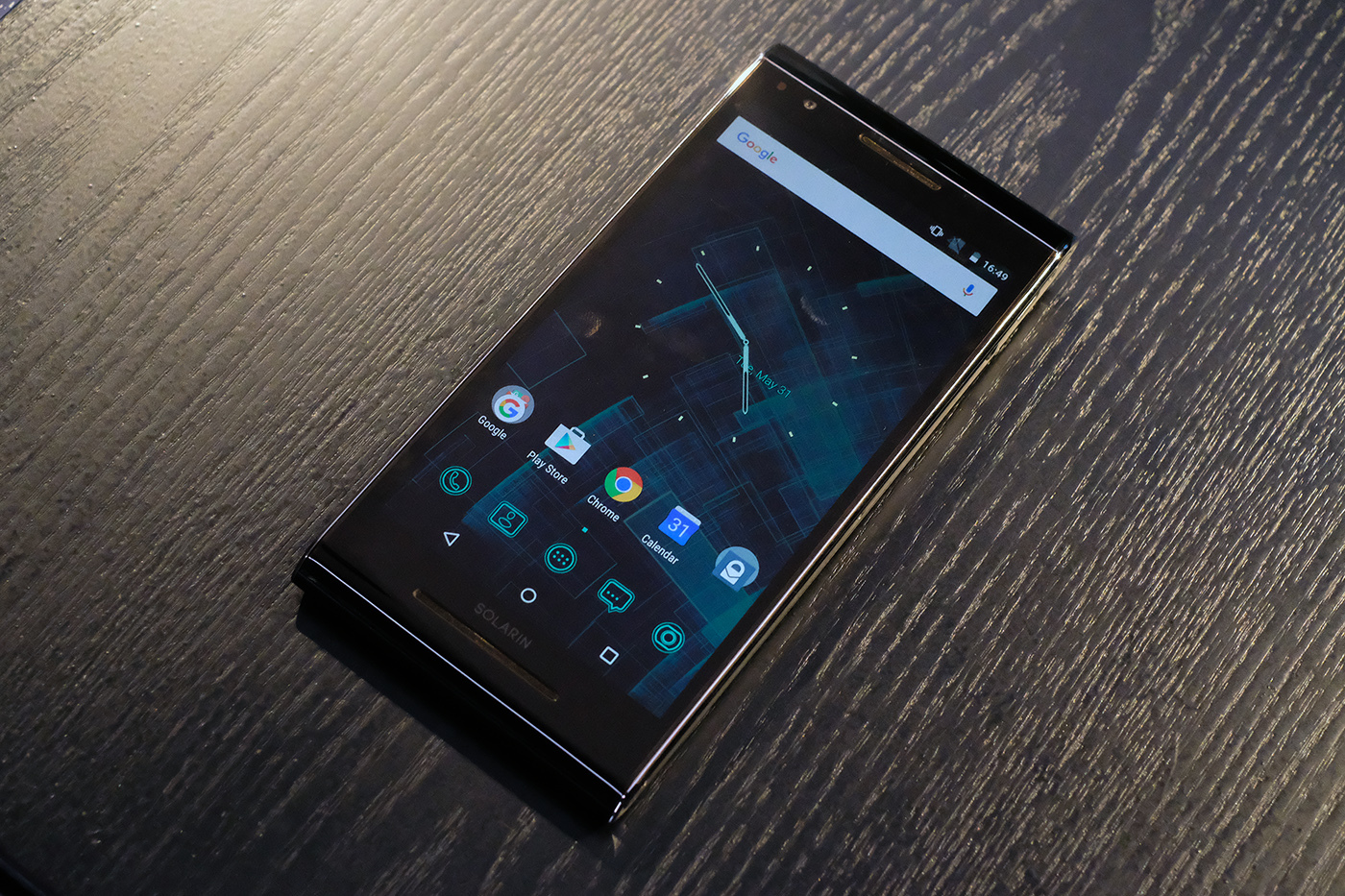 Closer look at the Android-phone for $     14,000